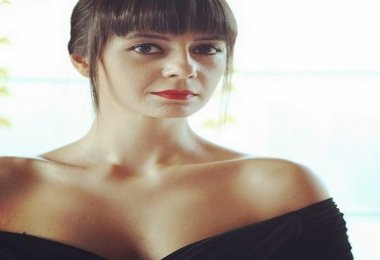 Hayat Şarkısı Zeynep Köse Kimdir Karakteri Yeni Dizisi Ölüyor Mu Ölecek Mİ Öldü Mü Diziden Neden Ayrıldı