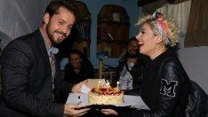 Kertenkele Setinde Sürpriz Doğum Günü Kutlaması